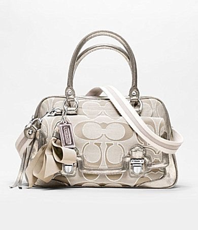 Good Reputation Of Coach Purse With Classic Design