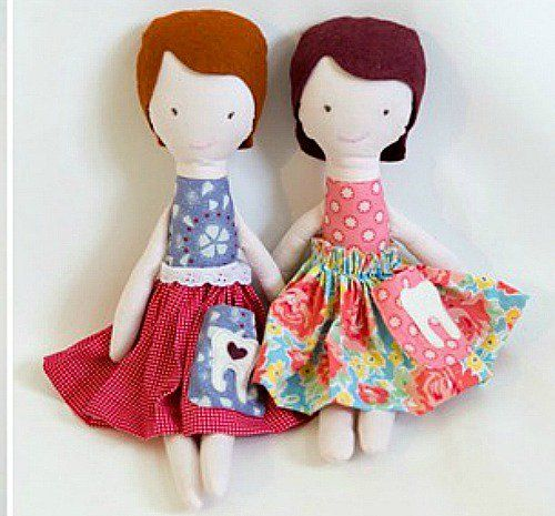 Free doll patterns to sew. Free doll making patterns for homemade, vintage rag dolls and simple cloth dolls. Easy doll patterns and how to sew them. Patterns to make fabric and primitive dolls.