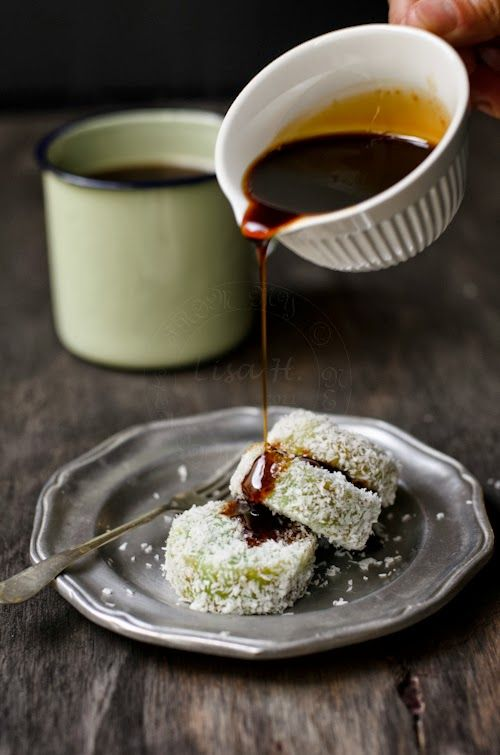 Kuih Lopis / Glutinous Rice with Dark Brown Sugar Syrup