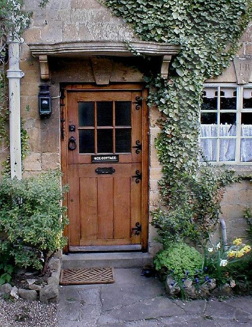 Box Cottage,  on a short lane in Broadway, England. Broadway is a super charming towne in the Cotswolds.