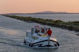 Boating holidays in Camargue