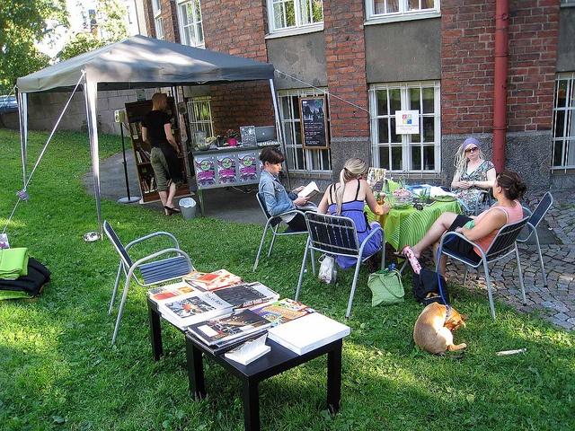 Hard Book Cafe 2010