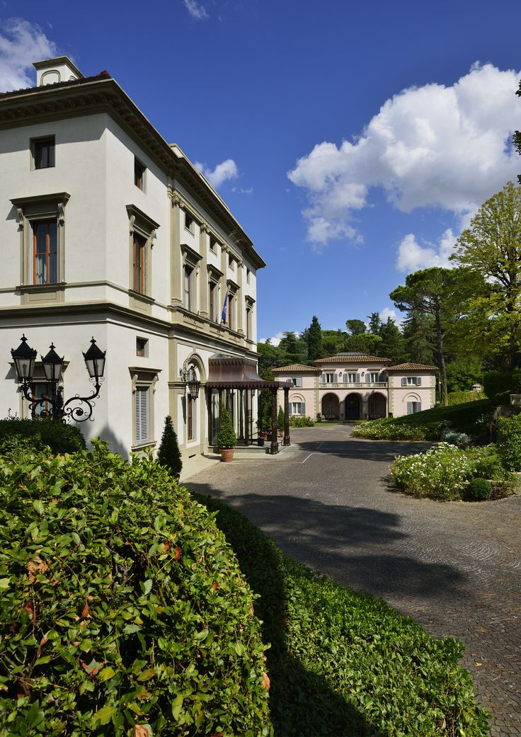 Grand Hôtel Villa Cora. Hotel and restaurant in Italy (Firenze). Claudio Delli, Maître de Maison, presents the property: This 19th century palace, just a stone's throw from Boboli Gardens, offers the opportunity to embark on a journey into the heart of neoclassical Florence. #relaischateaux #florence #firenze #villacora