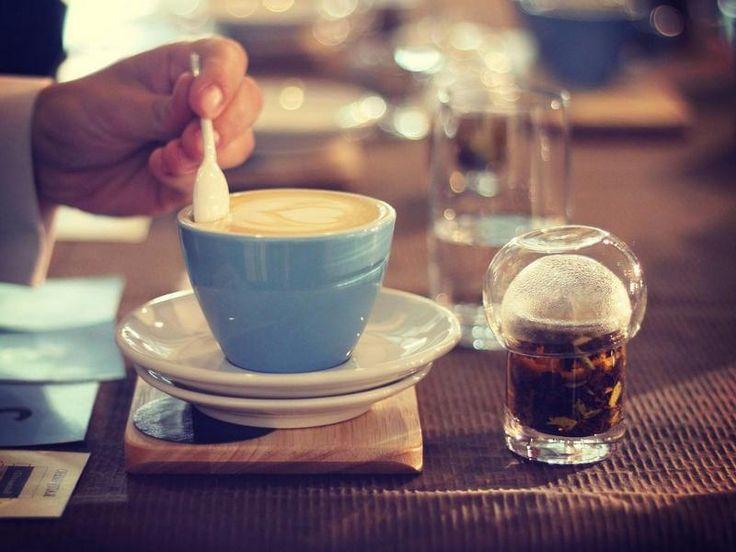 SOUND: https://www.ruspeach.com/en/news/13884/     Ученые постоянно спорят о пользе и вреде кофе. Зачем вам пить кофе? Кофе бодрит и помогает бороться с депрессией и апатией. Аромат кофе снижает стресс и риск многих заболеваний (болезнь Альцгеймера, диабет 2 типа и других). Кофе делает работу мозга более продуктивной. Однако не стоит пить более двух чашек кофе в день.    Scientists constantly argue on advantage and harm of coffee. Why you should drink coffee? Coffee invigorat