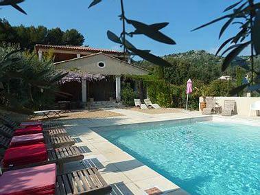 Chambre Hotes Vaucluse - Chambres d'hotes avec piscine au coeur du Luberon dans le Vaucluse