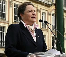 Clara-lopez - Polo Democrático Alternativo - Wikipedia, la enciclopedia libre