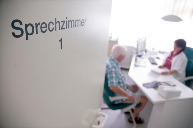 #Lieber erst zum Hausarzt gehen - Schwäbische Zeitung: Schwäbische Zeitung Lieber erst zum Hausarzt gehen Schwäbische Zeitung Der Hausarzt…