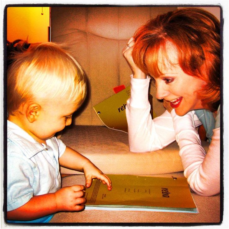 Reba and Riley (Melissa Peterman's son) on the set of Reba