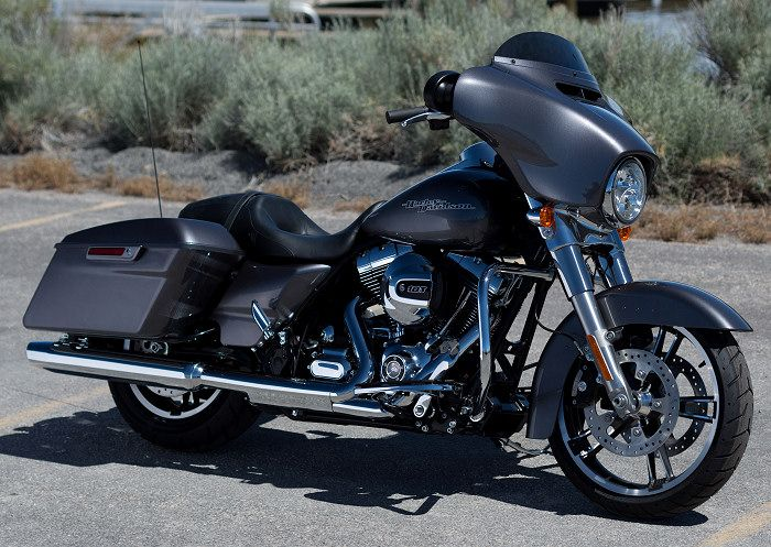 2014 Harley Davidson Street Glide | Harley-Davidson 1690 STREET GLIDE FLHX 2014 - Fiche moto - MOTOPLANETE