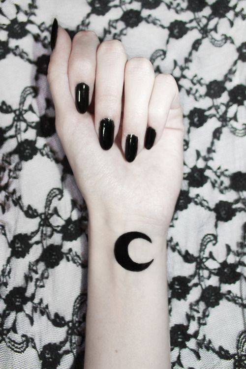 17 best ideas about grunge tattoo on pinterest tiny tattoo ink and collar tattoo. Black Bedroom Furniture Sets. Home Design Ideas