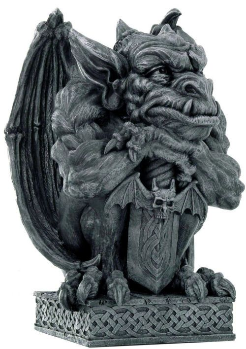 17 best ideas about gothic gargoyles on pinterest notre for Gargoyle decor