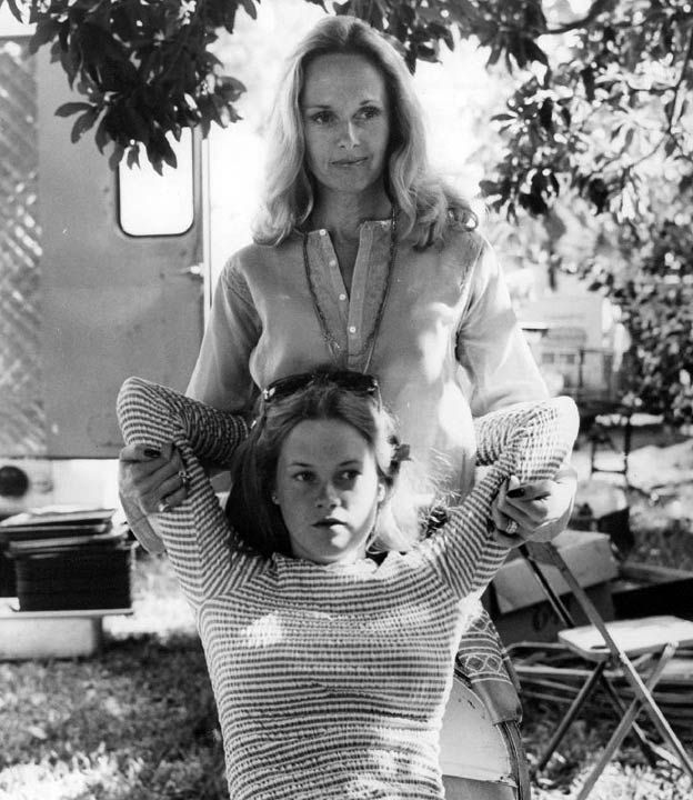 Tippe Hedren and her daughter Melanie Griffith on the set of her first movie Night Moves, 1974