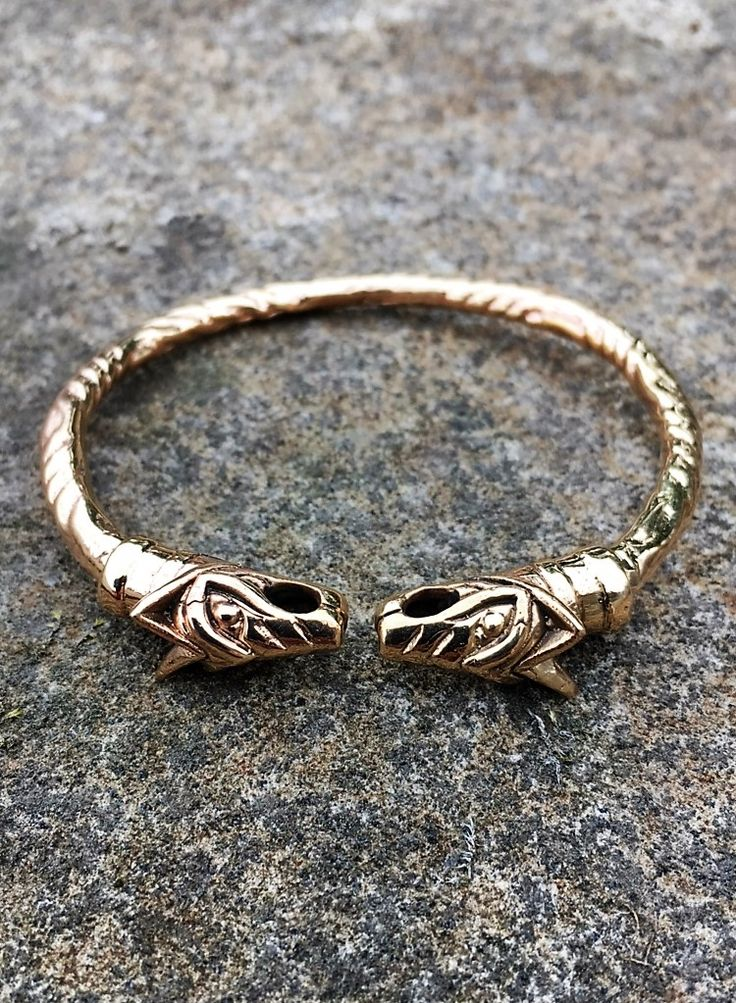 12 best viking rings images on pinterest a wolf animal jewelry and bad wolf. Black Bedroom Furniture Sets. Home Design Ideas