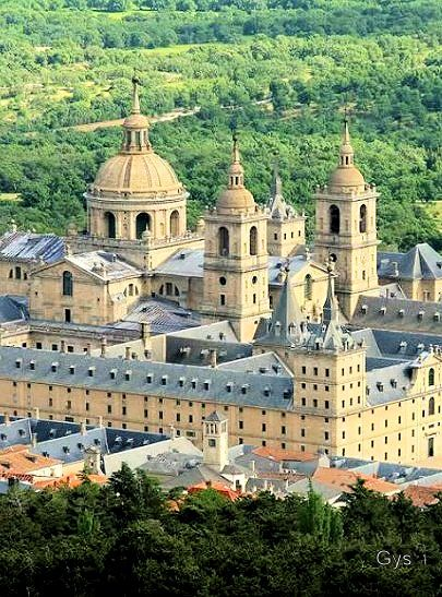 Monasterio de El Escorial, Madrid, España.  HOST FAMILIES NEEDED for high school exchange students from Spain.  Contact OCEAN for more information.  Toll-Free: 1-888-996-2326; E-mail: info@ocean-intl.org; Web: www.ocean-intl.org