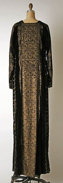 Evening dress (image 2 - back) | Mariano Fortuny | Italian | early 20th century | silk, glass | Metropolitan Museum of Art | Accession Number: 1977.304.3