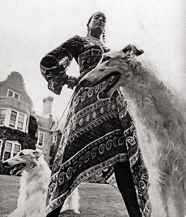 Bill Blass's first advertisement in American Vogue (September 1970), the model is Bethann Hardison