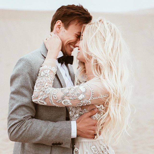 Awesome pose for a bride and groom. Love this wedding picture. Wedding photography | bride and groom | wedding pose ideas | newlyweds:
