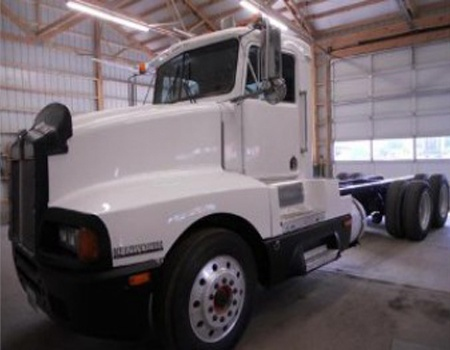 Used 1003 #Kenworth T600 #Heavy_Duty_Truck in Lynden @ http://www.buytrucksntrailers.com