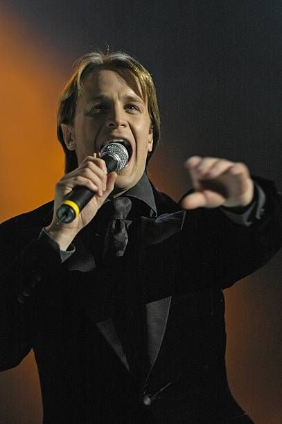 Photo of Kian EGAN and WESTLIFE; Kian Egan. Live at Olympiahalle