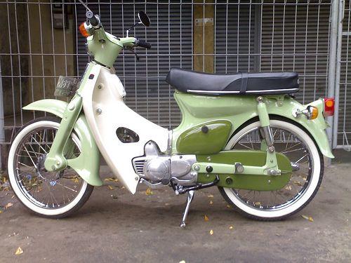 classic bike Honda c 70