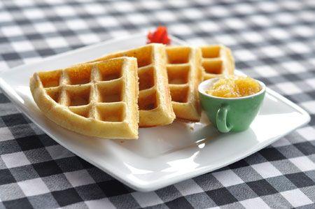 wafels zonder ei en melk met jam