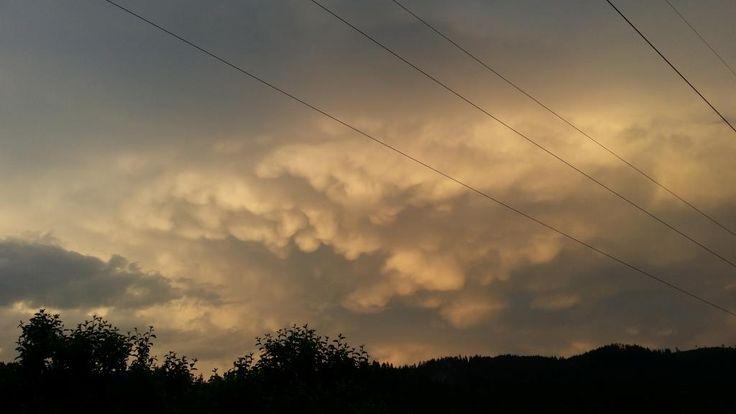 13.06.2015 - Mammatus-Wolken bzw. entferntes Gewitter @ St.Peter-Freienstein (STMK)