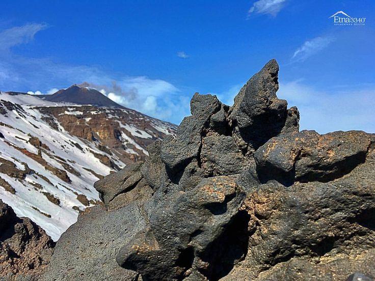 Free style Etna...🌋 avec @faufau66  #vulcanoetna #etna #etna3340 #mountain #volcano #nature #sicily #sicile #outdoor #trekking #hiking #randonnee #aventure #paysage #montagne #naturelovers #balade #escape #adventure #tourdumonde #voyager