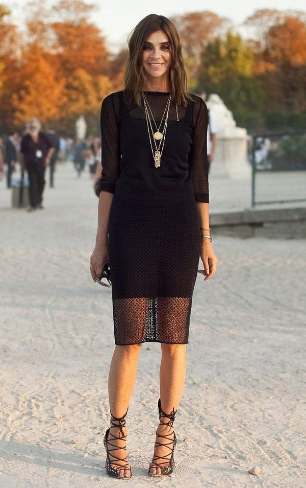 carine-roitfeld-style-lace-skirt