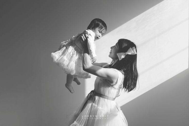 Playtime with mom #firstbirthdayphotoshoot #koreanfirstbirthday #doljanchi #baby #familyphotography #love #beautiful #toddler #babyphotography #childphotography #babygirl