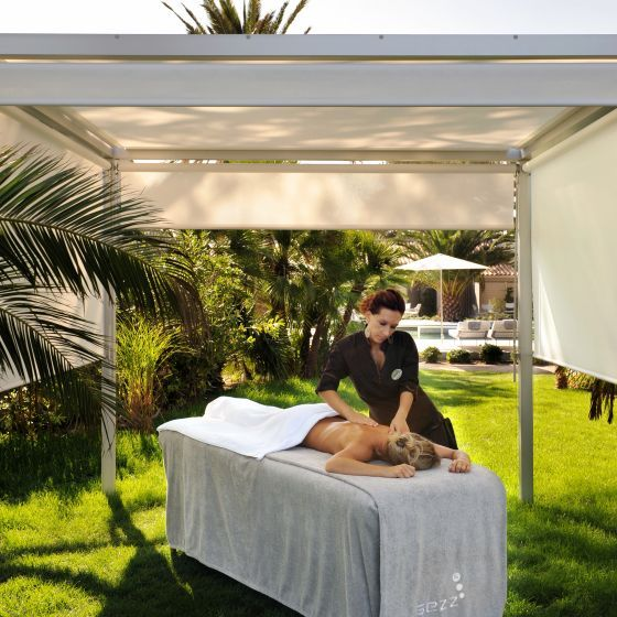 Perfect massages on the gardens.