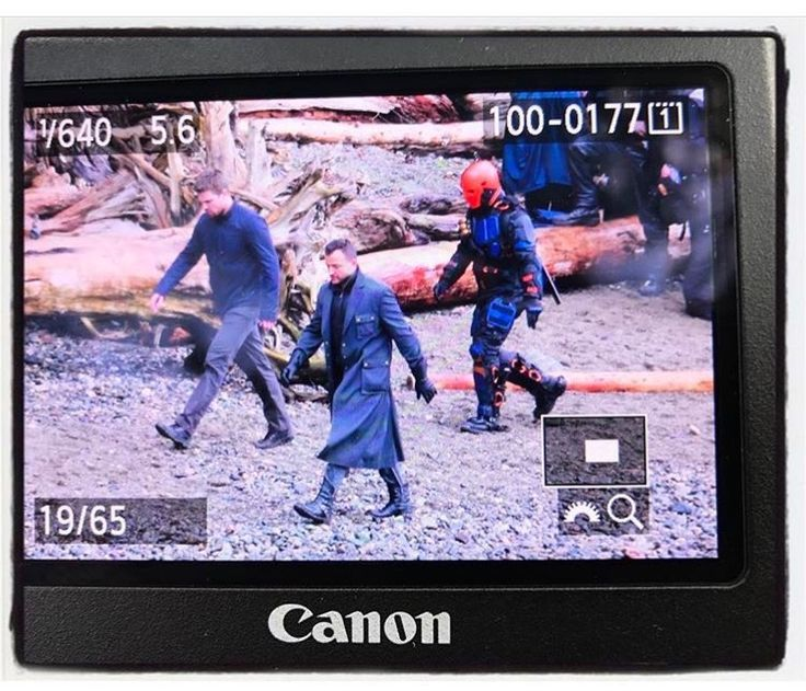 New pic on #Arrow set filming on the island with Stephen, #Deathstroke and Captain Boomerang