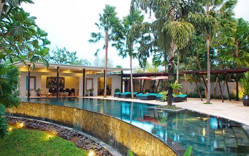 Villa Emerald River Master