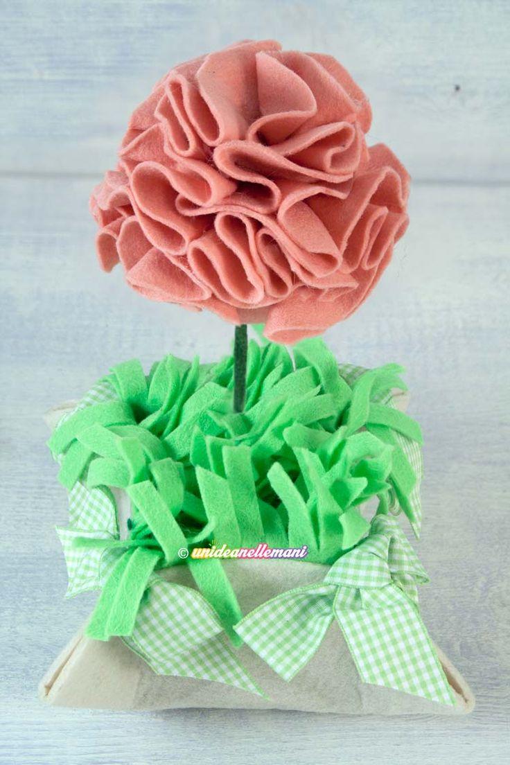 fiori di feltro e pannolenci,  fiori di feltro fatti a mano, vaso di fiori in feltro,