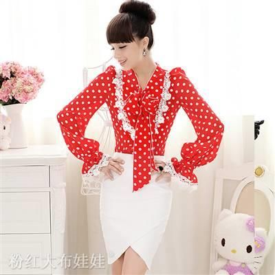Блузка в горошек с бантиком