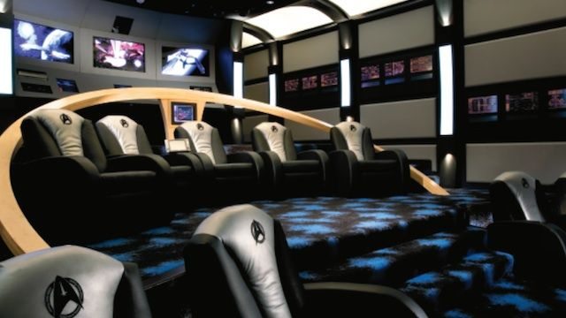Ultimate Star Trek home theater plays movies on a Starfleet bridge My Man Cave! I would love to watch movies in a room like this!  Ultimate Star Trek home theater plays movies on a Starfleet bridge