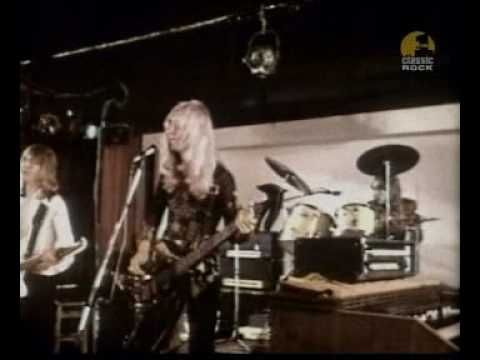 """Mott the Hoople with their classic cover of """"All The Young Dudes"""" (original by David Bowie)"""