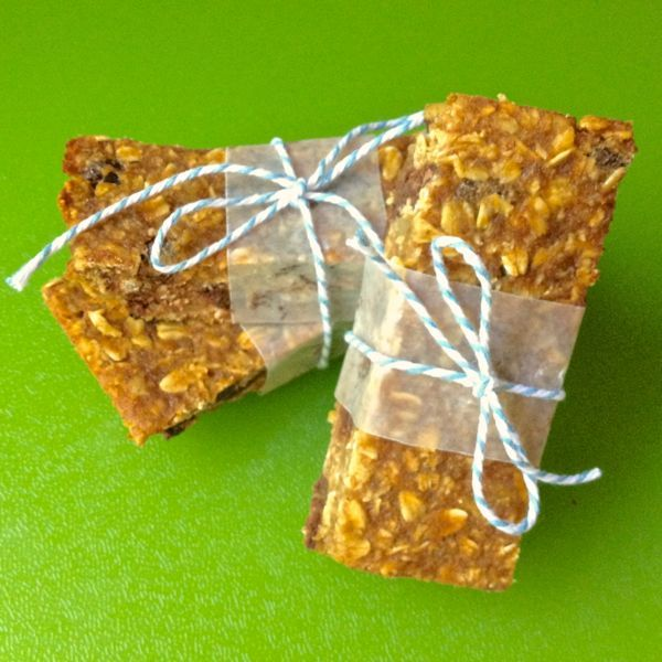 Perfect for on-the-go, these chewy granola bars are full of warm pumpkin spices and just the right amount of chocolate.