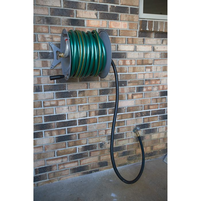 Strongway Parallel Or Perpendicular Wall Mount Garden Hose Reel Holds 150ft X 5 8in Hose
