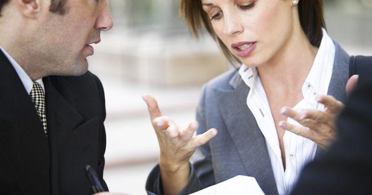 Comunicación gerencial efectiva. Aunque la administración es un trabajo que requiere muchos roles, toda administración comienza con una comunicación efectiva. Excelentes políticas, capacitación laboral y satisfacción del consumidor, todo se basa en la habilidad de comunicarse efectivamente. Una comunicación efectiva tiene dos partes: ésta requiere que el gerente se comunique ...