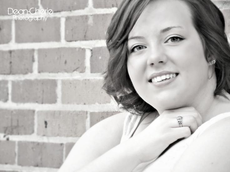 Pretty lady in recent Senior Shoot