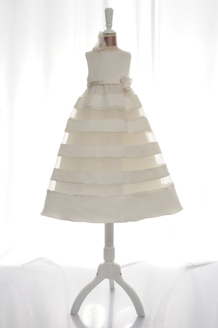 A-line sleeveless tulle dress for flower girl
