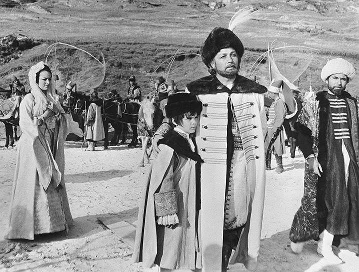 В 1973 году на экраны вышла историческая лента «Дмитрий Кантемир» (кадр из фильма на фото), где Михай Волонтир сыграл государственного деятеля Молдавии