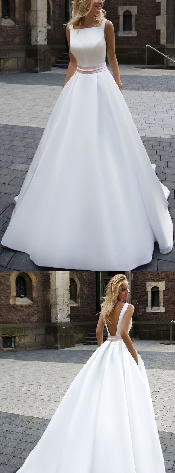 Wedding dress pin up train  Long Ivory Wedding Dresses With Pleated Zipper Sweep Train Admirable
