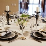 Daniel Buren inspired, black & white tablesetting by www.decopolitain.com pic by Catalina Mesa