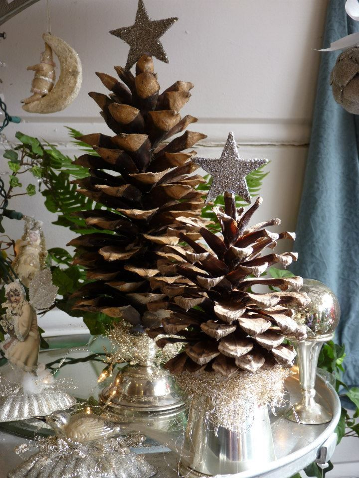 Pinecone Christmas trees... charming!