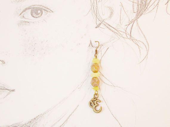 Ohm om yoga earrings earth tone czech bead by 10dollarjewellery #ohm #om #yoga #czechbead #earrings