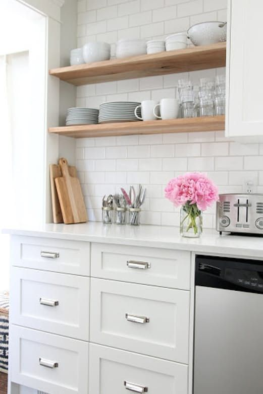 7 Solutions For Your Small Kitchen Problems