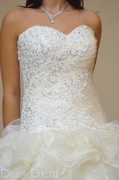 Wedding dresses salon Lady White CARLOW