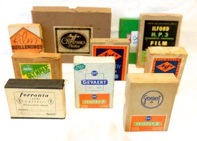Oude film platen doosjes + tassen (o.a. Agfa, Kodak, Gevaert, etc)