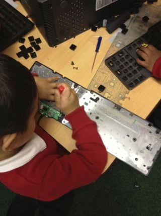 tinkering with electrical equipment - maximum engagement #abcdoes #eyfs #teachingideas